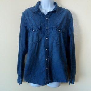 H&M Denim Pearl Snap Long Sleeve Shirt Size M